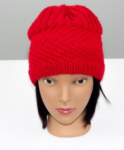 Tuque en acrylique rouge (haute) (devant) | Fait main Artigina
