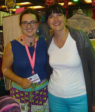 Gina (Artigina) en compagnie de Stéphanie Voyer au festival de la p'tite laine de Rivière-du-Loup