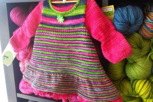 Patron de tricot Annabelle - Robe de bébé - À la maille suivante (03)