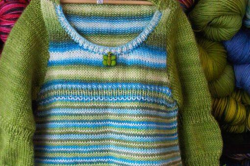 Patron de tricot Annabelle - Robe de bébé - À la maille suivante (05)