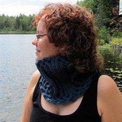 Patron de faux-col - touche de treillis de l'Univers d'une tricoteuse - Isabelle Allard - Artigina