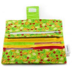 Portefeuille pour femme - Petits fruits sur fond vert - fait main Artigina