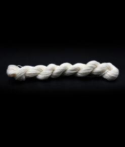 Laine à teindre (mini écheveau 25g) Fingering - Mérino superwash, bambou, nylon
